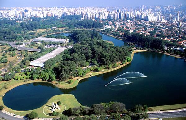 Parque Ibirapuera aberto
